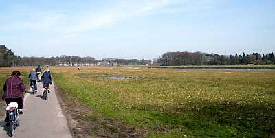 20100407_wbbrussel_fietsers_landschap
