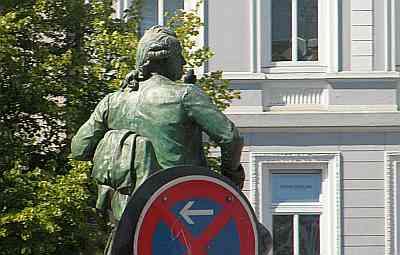 20100721_hamburg_standbeeld