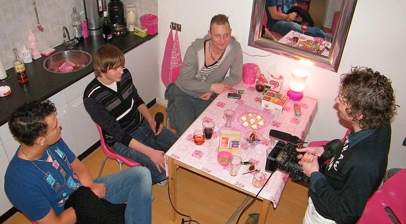 20110209_embracepink_bovenaf