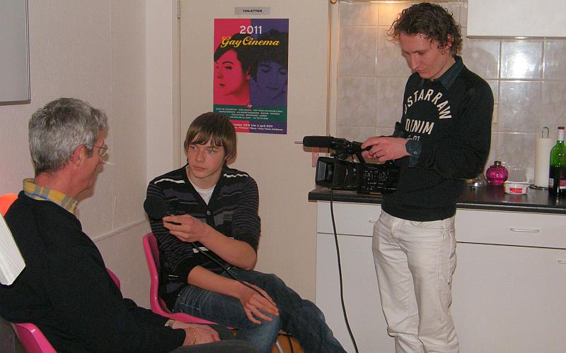 20110209_embracepink_gerard_marco_emile