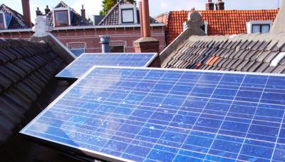 Onze eerste zonnepanelen in Rotterdam.