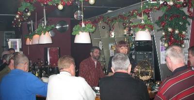 Kerstbingo bij COC-Seniorenslaon in 2006.