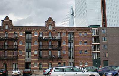 Rotterdam, achterkant Wilhelminapier, Kop van Zuid
