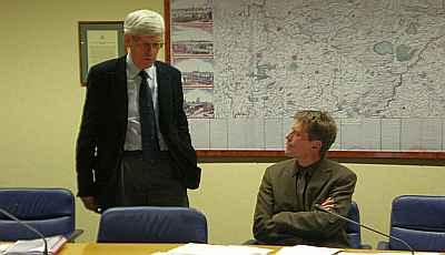 Voorzitter prof. Ben Hoetjes van de commissie, links op de foto.